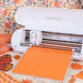 Ploter tnący formatu A4 PORTRAIT 3 - z myślą o szkołach i przedszkolach, grafika na gazetki szkolne, naprasowywanki na odzież